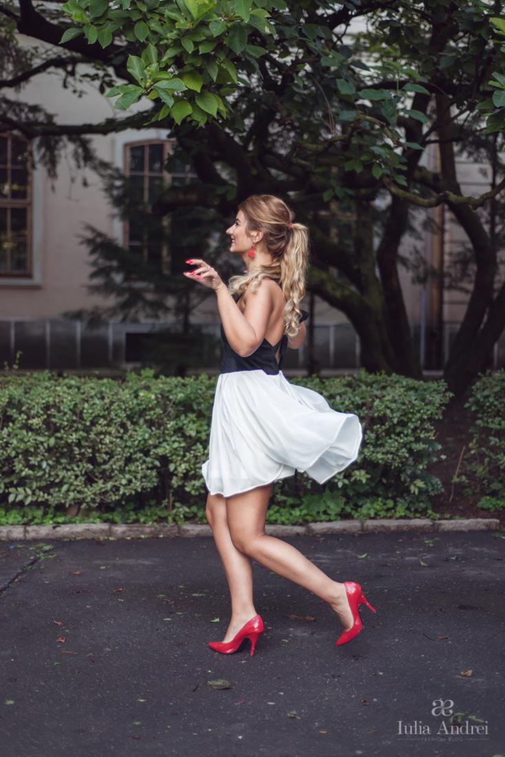 rochia plisata cu fundita la spate alb negru abaday spatele gol iulia andrei fashion blog