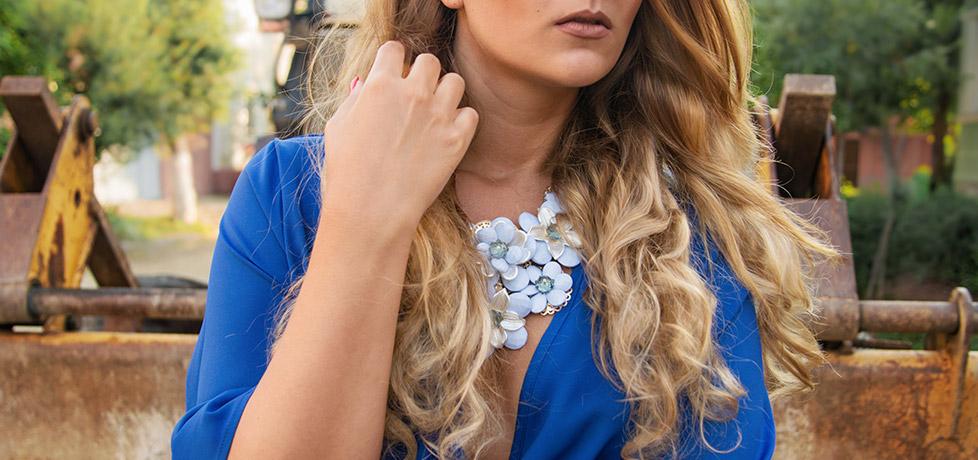 salopeta albastra jumpsuit cu decolteu in V sheinside  iulia andrei fashion blog
