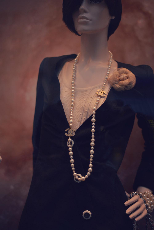 magia de craciun targul-de-craciun-rochie-neagra-chanel-iulia-andrei-fashion-blog