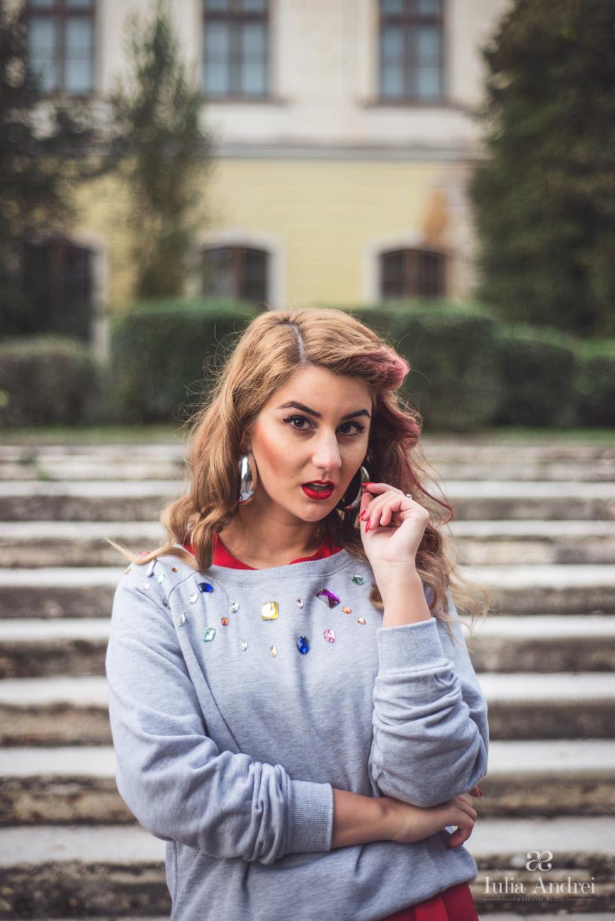 Toamna in culori puternice si vibrante Pulover Choies cu Pietre si Rochia Rosie Iulia Andrei Fashion Blog