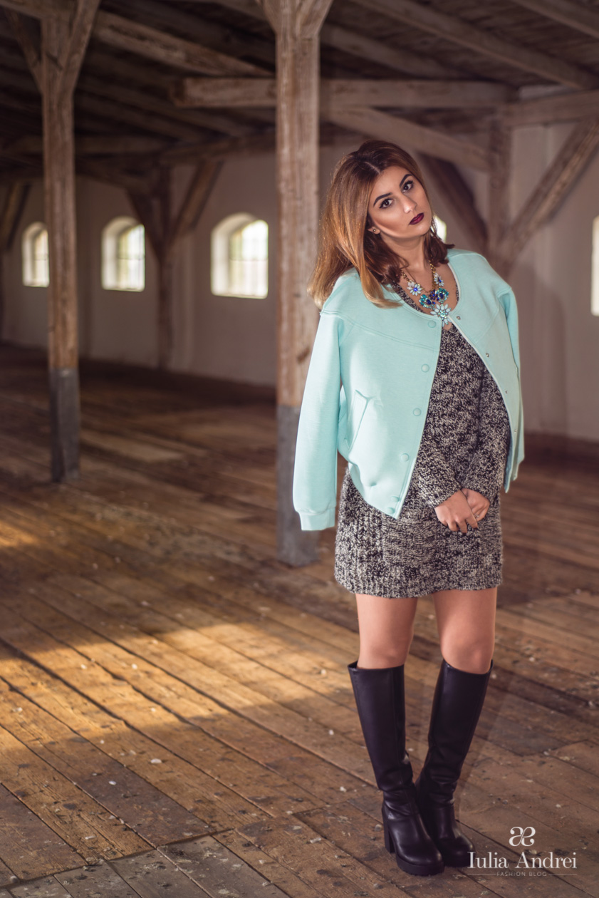 provocarea cum purtam jacheta baseball mint rochie tricotata cizme lungi Iulia Andrei Fashion Blog