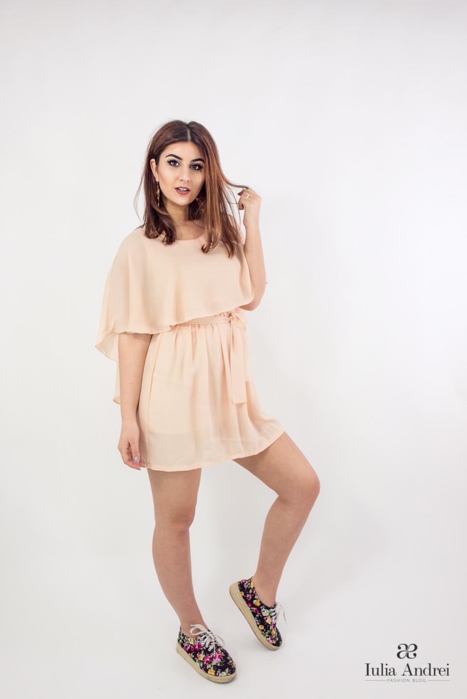 Tinute pastelate de primavara -  Rochie voal scurta abaday -  Iulia Andrei Fashion Blog