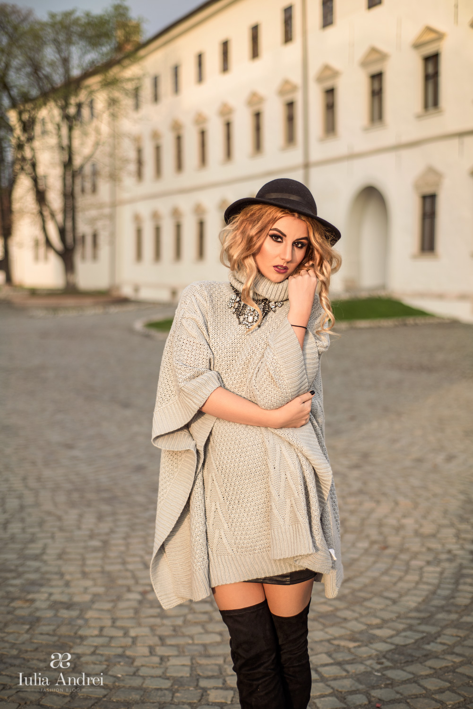 Iulia Andrei - Poncho, piesa must have a sezonului