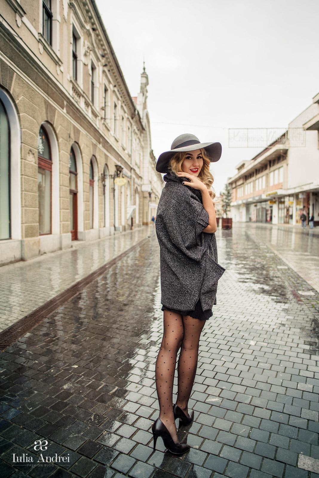 Iulia Andrei - Capa pentru zile ploioase