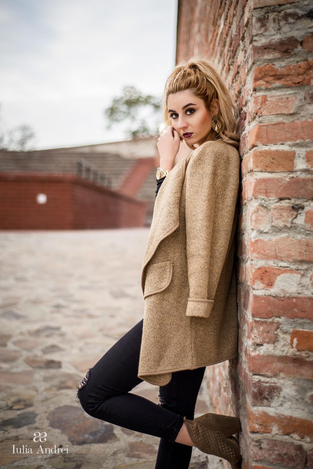 Iulia Andrei - Cardiganul in tinuta casual