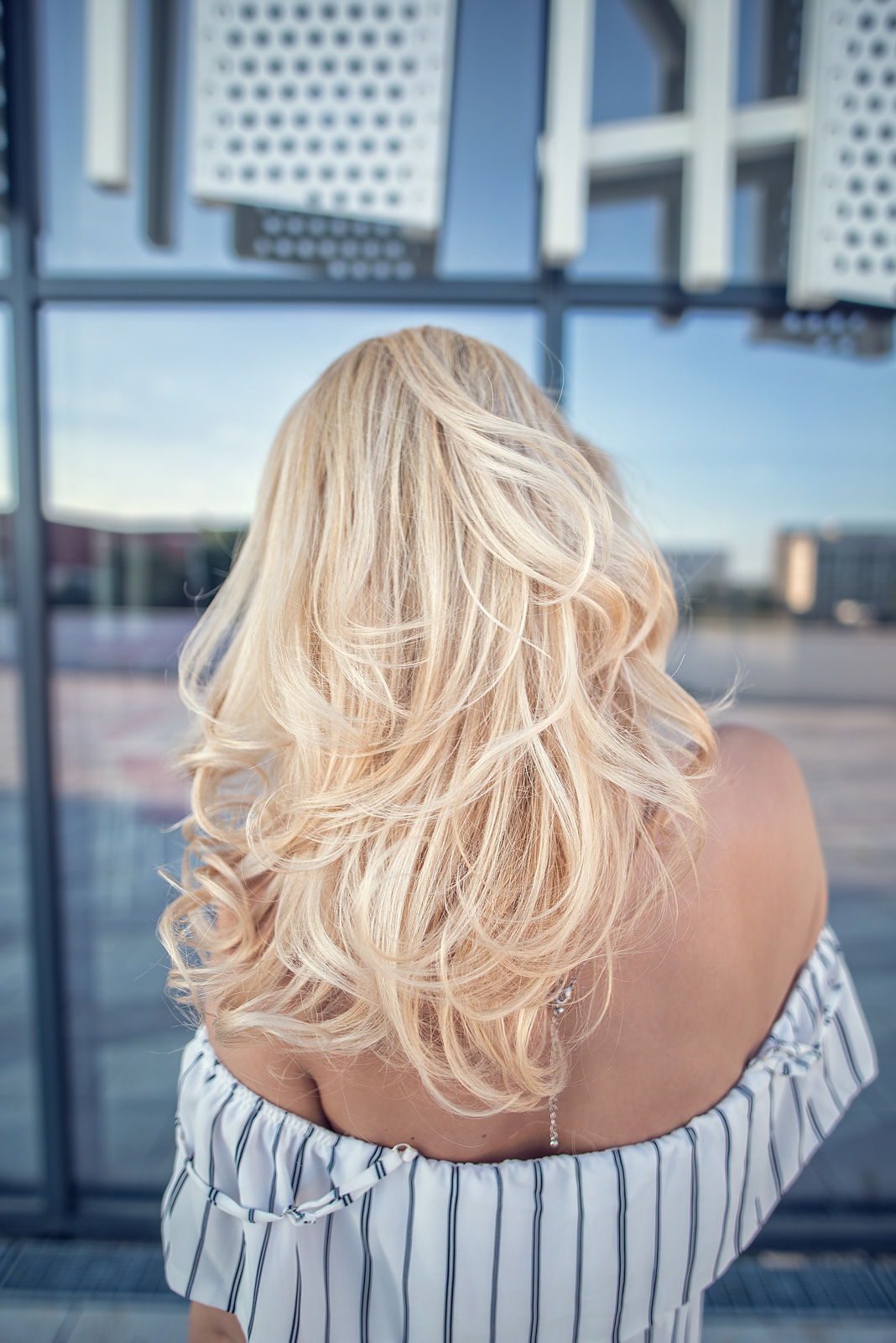 De la Ombre la Par Blond