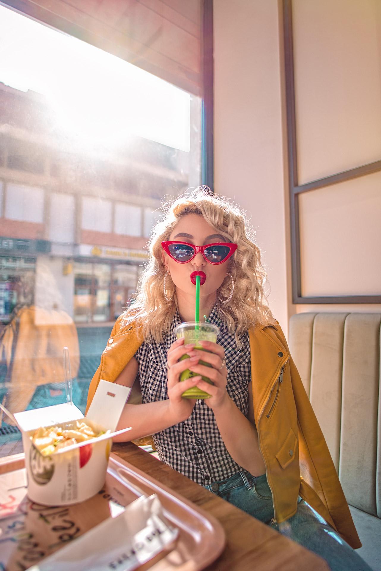Drink Green smoothie la Salad Box - Iulia Andrei